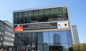 Das Deutsche Fußballmuseum in Dortmund: Ist Fußball unpolitisch?
