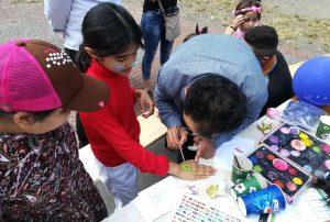 Kinderschminken beim Familien-Fest