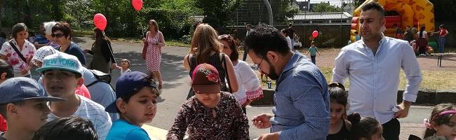 Buntes Fest im Haus der Vielfalt lockt Hunderte – Gelungene Auszeit für geflüchtete Familien mit internationalem Programm
