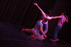 (v.l.n.r) Lin Verleger, Omid Rezai, Mahdi Mosawi von der Tanzcompany MIRA rundeten einen tollen Eröffnungsabend ab