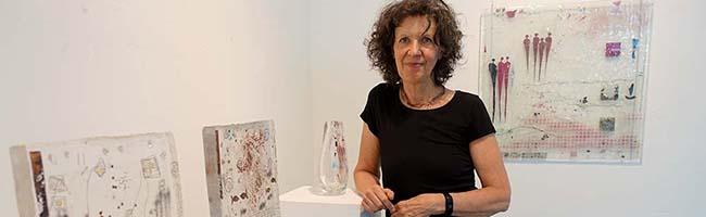 """Ausstellung """"Heißes Glas"""" im Depot präsentiert Werke von Heide Kemper und bietet spannende Einblicke in ihre Arbeit"""