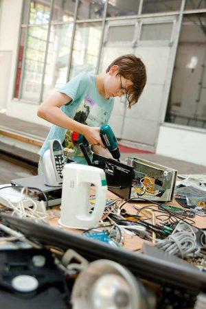 Die Workshops bieten technische aber auch kreative Arbeiten.