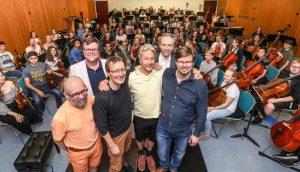 Das Dortmunder Jugendsinfonieorchester probt mit Finnen für eine Konzertreise.
