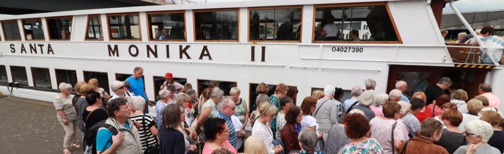 Kreuzfahrt auf dem Dortmund-Ems-Kanal: Stadt Dortmund lud ehrenamtliche SeniorenhelferInnen auf die Santa Monika II