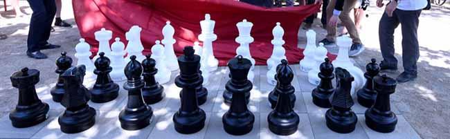 FOTOSTRECKE Schachmatt auf dem Nordmarkt: Quartiersfonds finanziert Schachfeld in der Nordstadt
