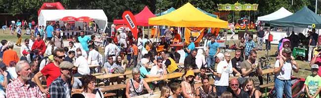 Sport und Musik, Lukullisches und Wissenswertes: Beim Hoeschpark-Fest waren alle und alles in Bewegung