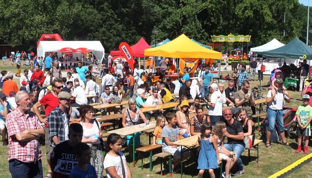 Das Hoeschparkfest war - trotz oder gerade wegen des heißen Wetters - gut besucht. Fotos: Susanne Schulte