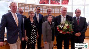 """""""Familienfoto"""" nach der Wiederwahl mit den KollegInnen aus dem Verwaltungsvorstand."""