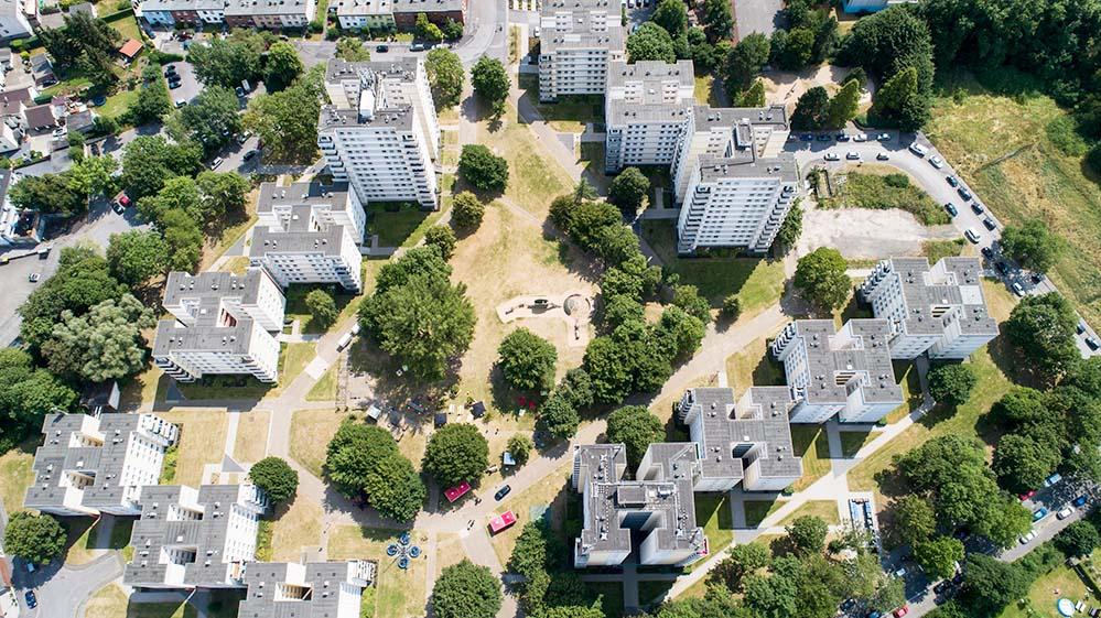 """Luftbild der Woldenmey-Siedlung, die mit dem Titel """"Big Beautiful Buildings"""" ausgezeichnet wurde. Foto. VIVAWEST"""