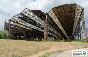 Spaziergang zu historischen Stahlbrücken. Auf dem Gelände ehemaliger Dortmunder Brückenbaufirmen stehen Reste der Halle der Fa. Jucho.