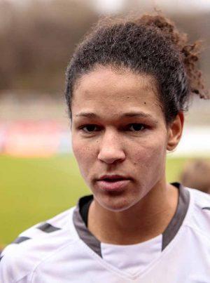 Die ehemalige deutsche Nationalspielerin Célia Šašić wird ebenfalls Talkgast sein. Foto: Wikipedia/xtranews.de/ Flickr