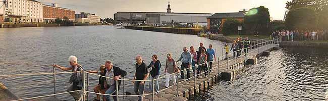 """Hundert Veranstaltungen an fünfzig Orten: Beim Dortmunder """"Hafenspaziergang 2018"""" kann man sogar übers Wasser gehen"""