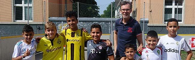 """Fairspiel – Jugendfußballturnier der """"Machbarschaft Borsig11"""" geht in die sechste Runde, Vorrunden im vollen Gang"""