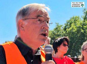 Der frühere Superintendent Paul-Gerhard Stamm ist Sprecher der Ehrenamtlichen in der Dortmunder Flüchtlingshilfe.