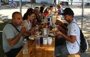 Radio Plovmund, ohne Mampf kein Kampf, oder gemeinsam Essen fördert die Kommunikation