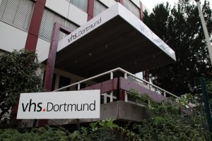 Zwischenzeitlich nutzte die VHS die Räume des ehemalisgen Studieninstiruts Ruhr. Das Gebäude wird jedoch jetzt abgerissen. Foto: Karsten Wickern