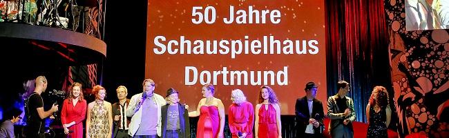 50 Jahre Schauspielhaus Dortmund – Ensemble feiert mit Zivilgesellschaft und Politik demokratische Kultur
