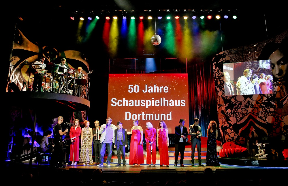 Das Ensemble des Schauspielhaus Dortmund verabschiedet sich