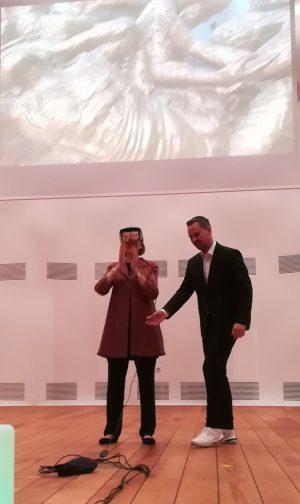 Beryn Hammil bei der Päsentation mit Markus Rall