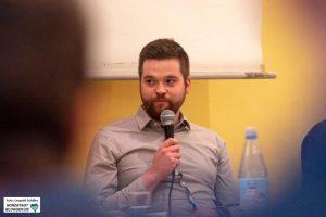 Leroy Böthel, Mitarbeiter Mobile Beratung gegen Rechtsextremismus im Regierungsbezirk Arnsberg, Soziologe (M.A.)