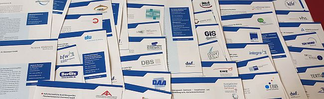 Bildung gegen Populismus, Ausgrenzung, Spaltung: Mitglieder des Dortmunder Weiterbildungsforums als Träger mit Auftrag