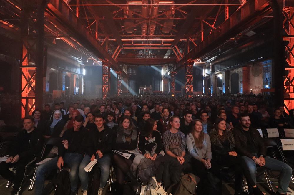 In der Warsteiner Music Hall Begrüßte die Fachhochschule Dortmund ihren neuen Studierenden. Foto: Karsten Wickern