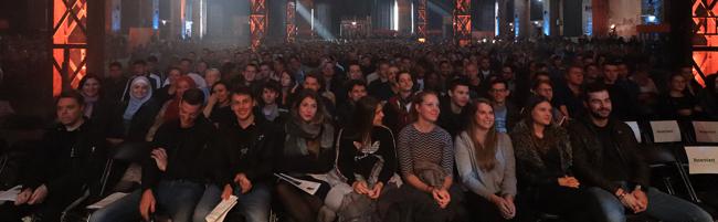 Über 3.000 Studierende: Fachhochschule Dortmund begrüßt Erstsemester in der Warsteiner Music Hall