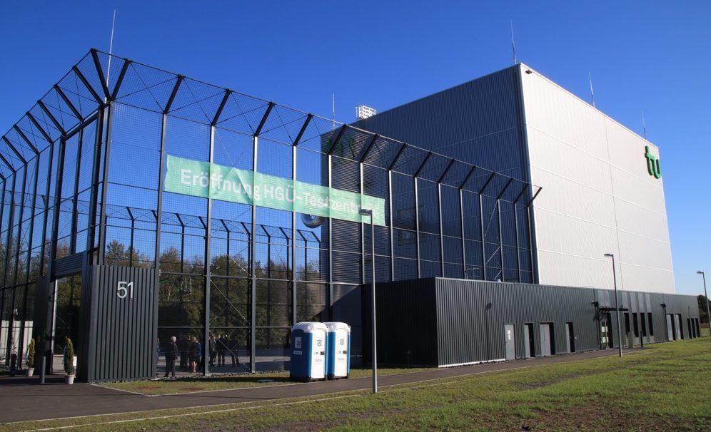 Das neue Forschungszentrum für Hochspannungs-Gleichstrom-Übertragung der TU Dortmund. Fotos. Karsten Wickern