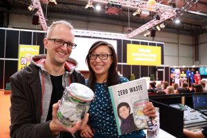 Buchautorin Shia Su und ihr Ehemann Hanno sprachen auf der Messe über ihre Ansätze für ein nahezu müllfreies Leben.: Foto: Westfalenhallen GmbH / Foto: Anja Cord