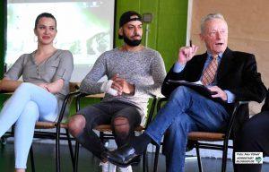 Drita Jakubi, Hassan Adzaj und Roman Franz im Gespräch über das Roma-Zentrum.