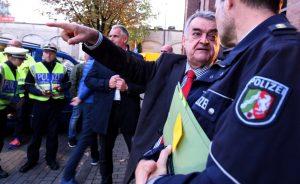 NRW-Innenminister Herbert Reul hat der Clan-Kriminalität den Kampf angesagt. Fotos: Alex Völkel
