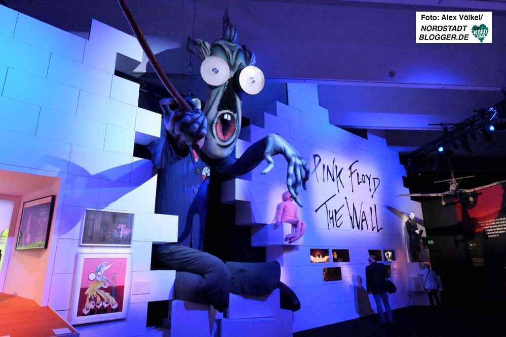 """Die Großproduktion """"Their Mortal Remains"""" ist die bestbesuchte Ausstellung in Dortmund seit den 90er Jahren. Trotz finanziellem Defizit ein Erfolg für Stadt und Museum."""
