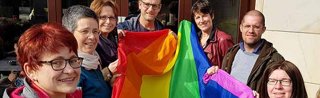 """30. """"Internationaler Coming-Out-Tag"""": Netzwerk """"ColouraDo"""" unterstützt Bekenntnis zur sexuellen Identität am Arbeitsplatz"""