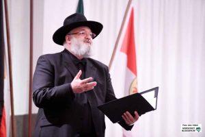 Kantor Baruch Chauskin sorgte mit seinem Liedbeiträgen für Gänsehautmomente im Rathaus.