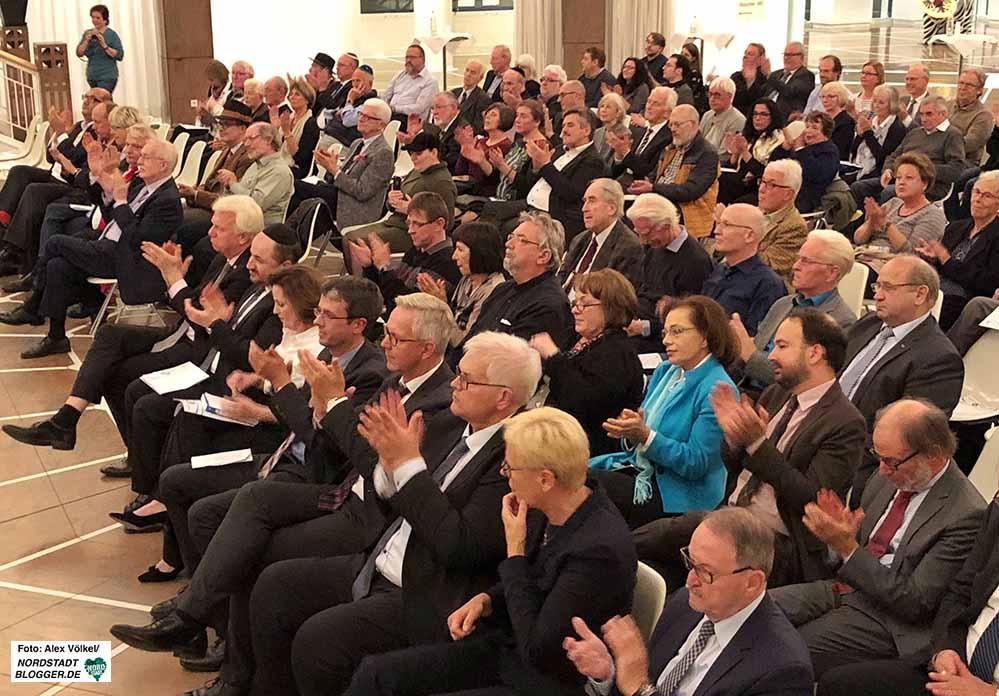 In der Bürgerhalle des Rathauses fand die Feierstunde 70 Jahre Israel statt. Fotos: Alex Völkel