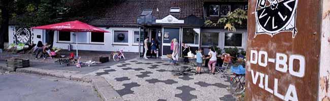 Die Neuplanungen für den Hoeschpark sind beauftragt – doch die Pächter der DoBo-Villa stehen deshalb vor dem Aus