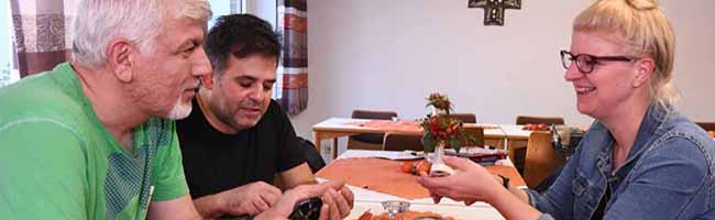 Integration: Kennenlernen geht durch den Magen – Ein Abend mit Reibeplätzchen und arabischem Hühnchen in Dortmund