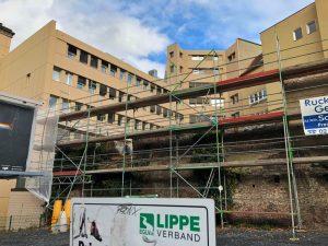 Wenig ansehnlich ist die Rückseite des ehemaligen Gebäudes der Lippe-Verbandes, auf die man vom U aus blickt. Foto: Alex Völkel