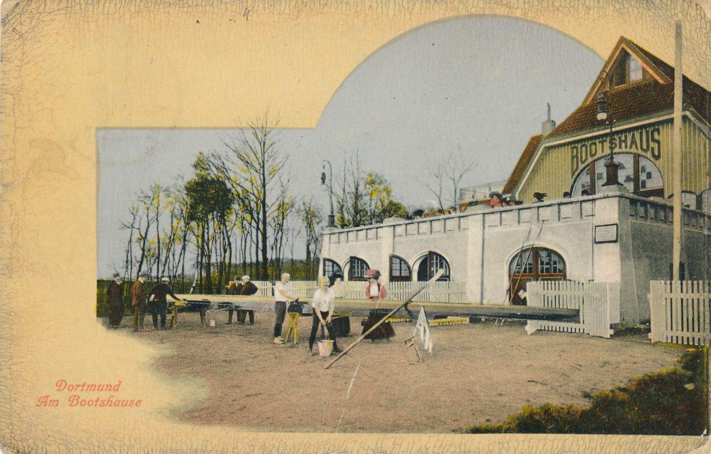 Das 1909 erbaute neue städtische Bootshaus wurde auch vom RC Hansa 98 genutzt. Ansichtskarte um 1910 (Sammlung Klaus Winter)
