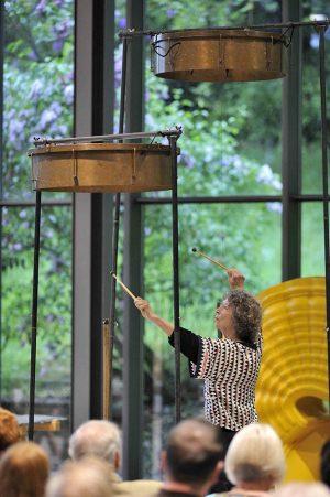 Die 76-jährige Limpe Fuchs gilt als Pionierin des Improvisationsklangs. Foto: