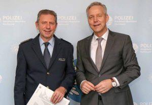 Dieter Keil (li.) war Leitender Polizeidirektor und Stellvertreter von Polizeipräsident Gregor Lange (re.).