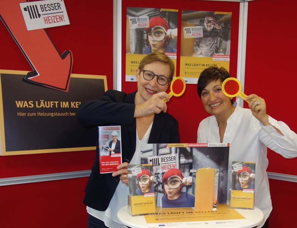 Helene Schulte-Bories und Kojna Boykinov klären die VerbraucherInnen am 5. Oktober kostenlos auf und beraten bei Umbauplanungen. Foto: VZ NRW