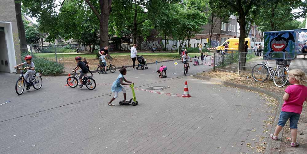 """""""Erlebnistour Nordstadt"""" - Verkehrssicherheitstraining für Kinder und Jugendliche in der Nordstadt"""". Foto: QM Nordstadt"""