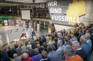 Eröffnung der Ausstellung: bald geht es nach Frankfurt