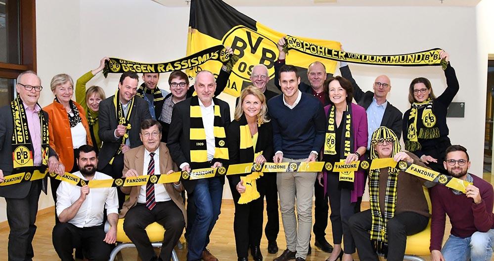 Der ehemalige Mannschaftskapitän des BVB Sebastian Kehl besuchte den Fanclub der Bundestagsborussen, der mit 66 Mitgliedern der zweitgrößte des Parlaments ist. Foto: Andreas Amann