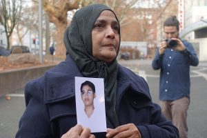 Der schmerzliche Verlust ihres Sohnes wird Saeeda Khatoon ihr Leben lang begleiten. Ein hartes Urteil für die Hinterbliebenen.