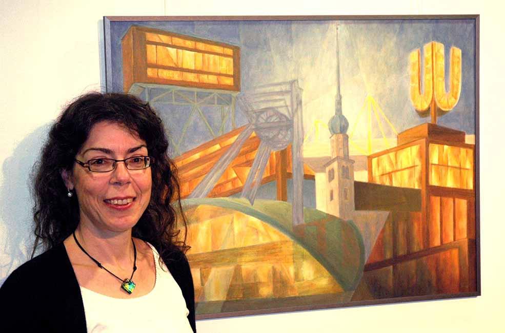 Dagmar Knappe vor einem ihrer Bilder in der Artothek. Foto: Martin Schirmer