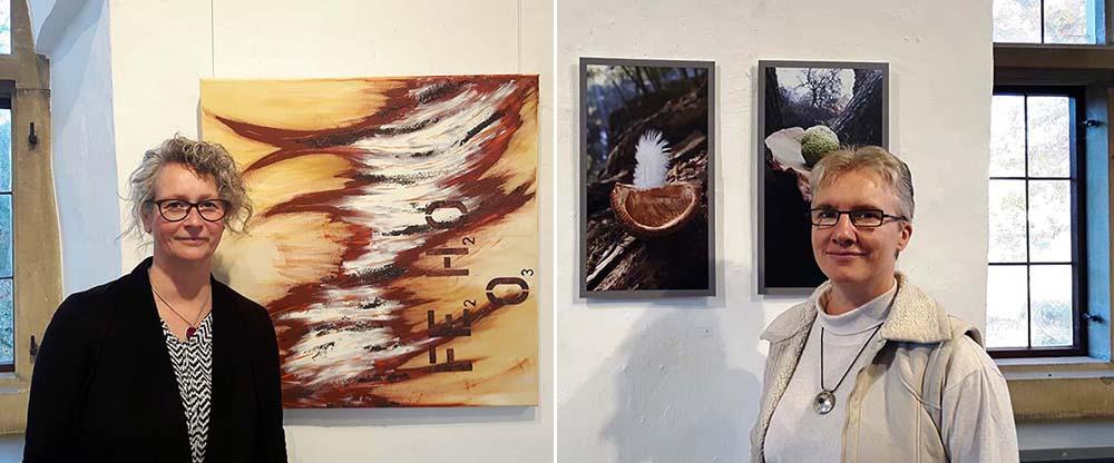"""Tanja Melina Moszyk (l) und Solmund Rita schnelle teilen sich die Städtische Galerie im Torhaus Rombergpark für ihre Ausstellung """"Lebensschichten"""". Fotos:Katrin Gellermann"""