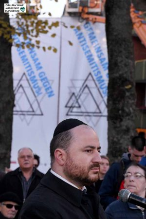 Rabbiner Baruch Babaev - hier beim Holocaust-Gedenken in Dorstfeld, verurteilt den als Israel-Kritik getarnten Antisemitismus.