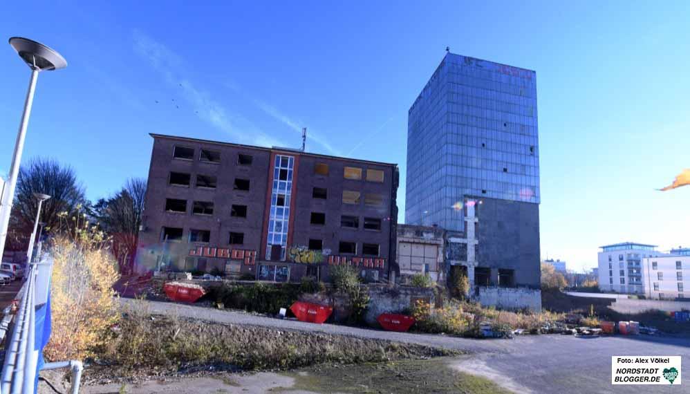 Kronen-Turm und Wenker-Bereich (l.): die Stadt Dortmund plant eine Radikalverjüngung. Fotos: Alexander Völkel